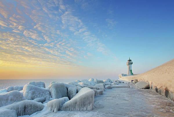 Dawn Art Print featuring the photograph Frozen Lighthouse by Sandra Kreuzinger