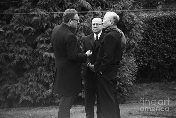 Vietnam War Art Print featuring the photograph Kissinger And Le Duc Tho Talk by Bettmann