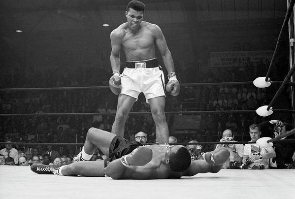 Heavyweight Art Print featuring the photograph Muhammad Ali Taunting Sonny Liston by Bettmann