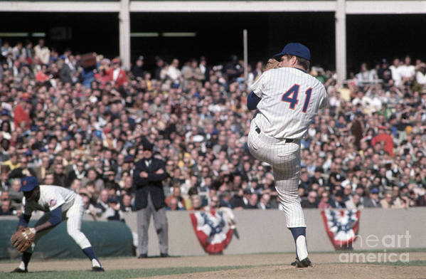 Tom Seaver Art Print featuring the photograph Tom Seaver Pitching During Baseball Game by Bettmann