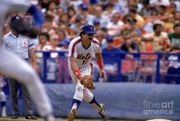 1980-1989 Art Print featuring the photograph Keith Hernandez by Mike Powell