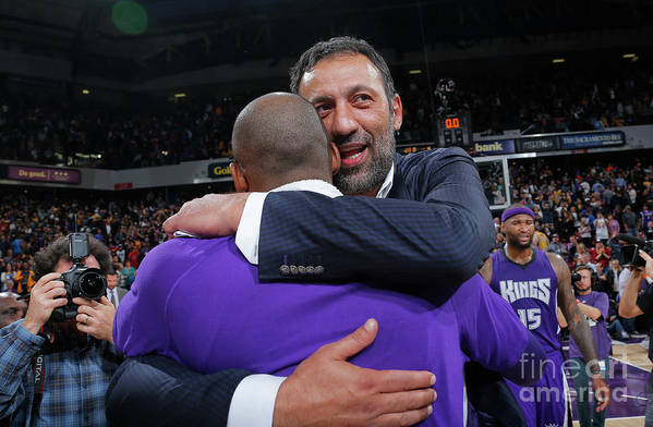 Nba Pro Basketball Art Print featuring the photograph Kobe Bryant and Vlade Divac by Rocky Widner