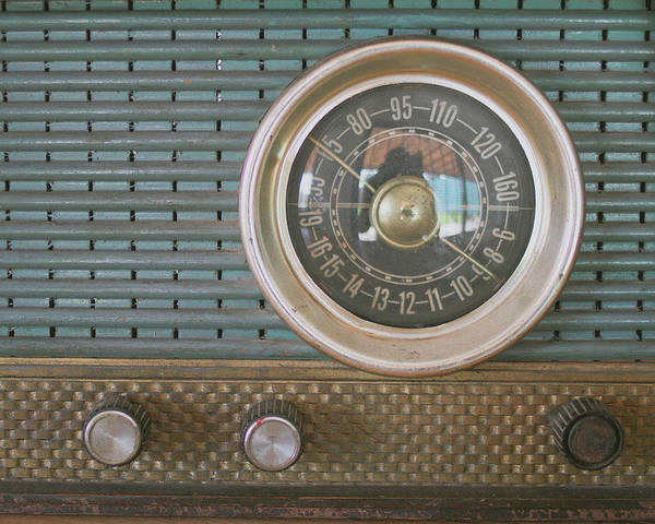 Music Art Print featuring the photograph Old Radio by Carmen Moreno Photography