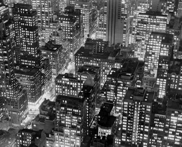 1950-1959 Art Print featuring the photograph New York At Dusk From The Top Of The by New York Daily News Archive