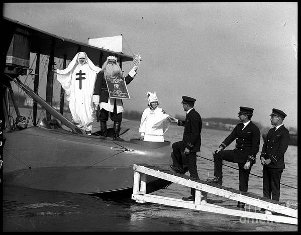People Art Print featuring the photograph Santa Claus Arriving On Seaplane by Bettmann