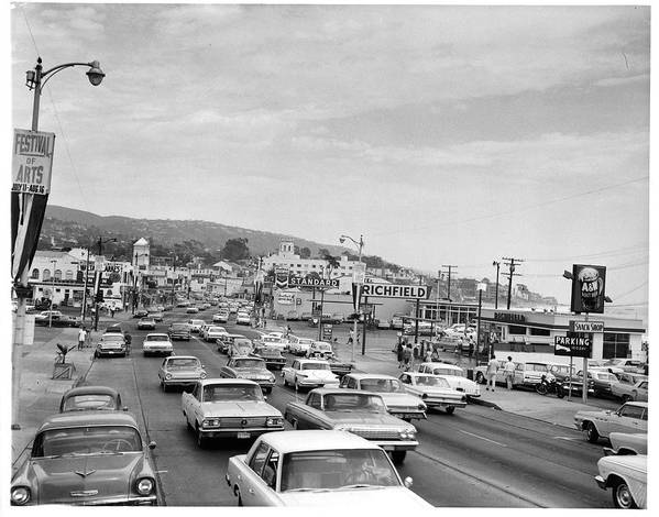 Laguna Beach Art Print featuring the photograph Sunday Traffic In Laguna Beach by American Stock Archive