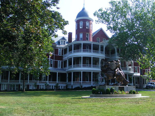 Buena Vista Art Print featuring the photograph Southern Virgiinia College by Eddie Armstrong