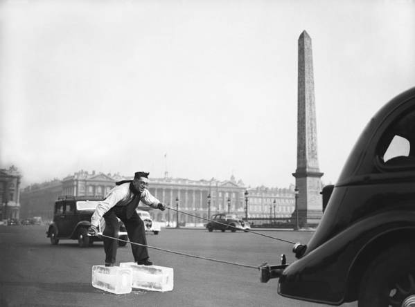 1930-1939 Art Print featuring the photograph Ice On Concorde Square by Keystone-france