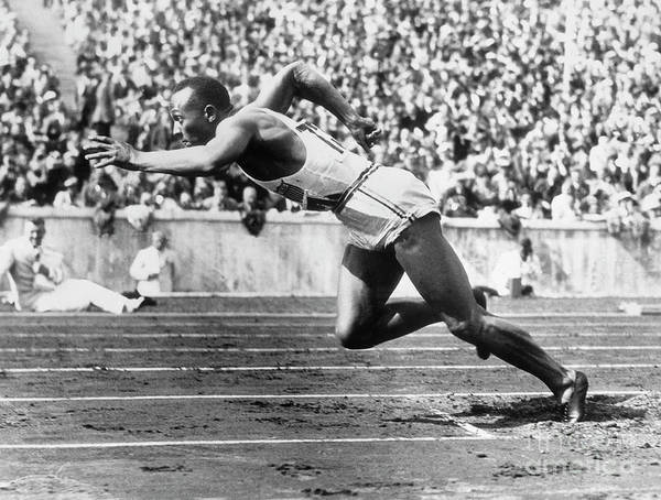 People Art Print featuring the photograph Jesse Owens At Start Of Race by Bettmann