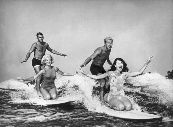 California Art Print featuring the photograph Surfers In California 1965 by Keystone-france