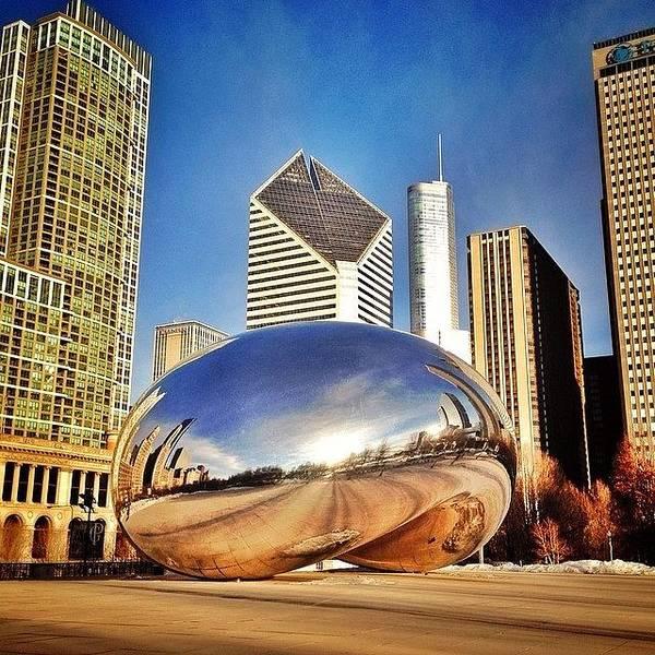 Cloudgate Art Print featuring the photograph Cloud Gate chicago Bean Sculpture by Paul Velgos