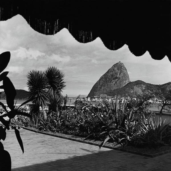 Exterior Art Print featuring the photograph Sugarloaf Mountain Seen From The Patio At Carlos by Luis Lemus