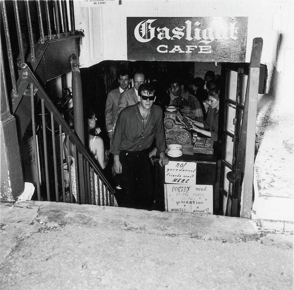 People Art Print featuring the photograph The Entrance To The Gaslight Cafe by Fred W. McDarrah