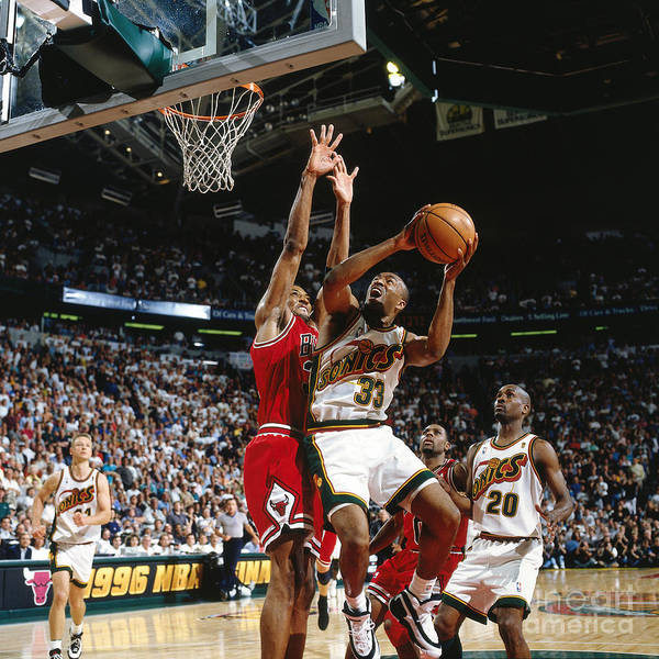 Nba Pro Basketball Art Print featuring the photograph Hersey Hawkins and Scottie Pippen by Nathaniel S. Butler