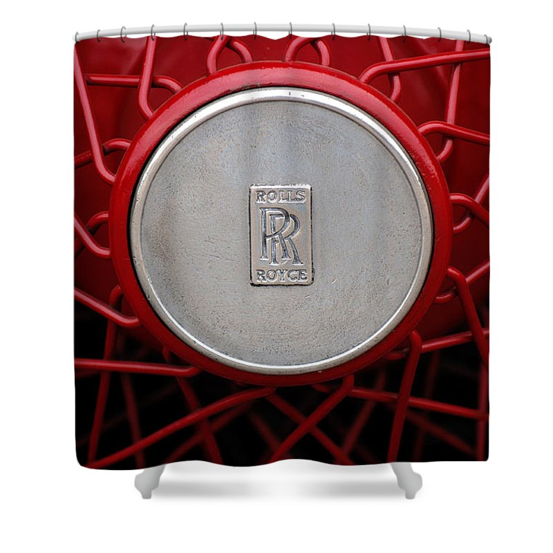 1928 Rolls-royce Phantom I Sedenca De Ville Wheel Emblem Shower Curtain featuring the photograph 1928 Rolls-royce Phantom I Sedenca De Ville Wheel Emblem by Jill Reger