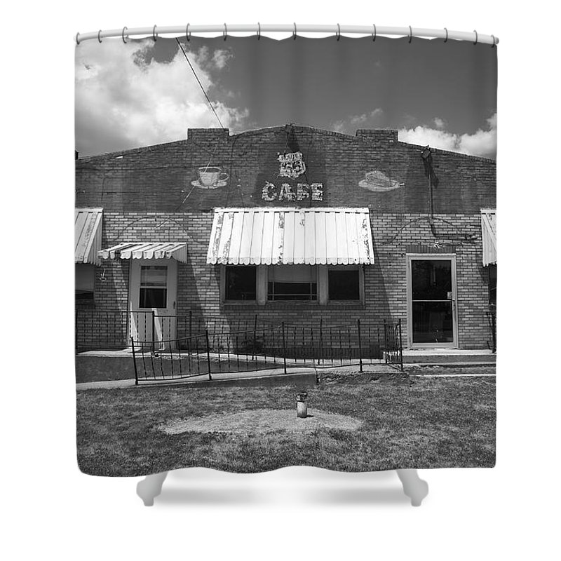 66 Shower Curtain featuring the photograph Route 66 Cafe by Frank Romeo