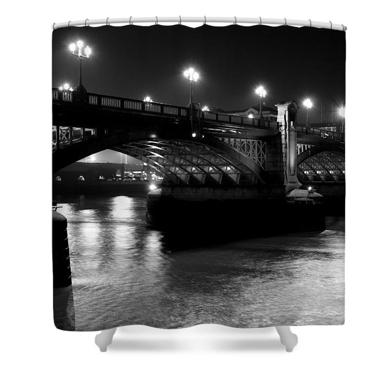 Southwark Shower Curtain featuring the photograph Southwark Bridge London by David Pyatt
