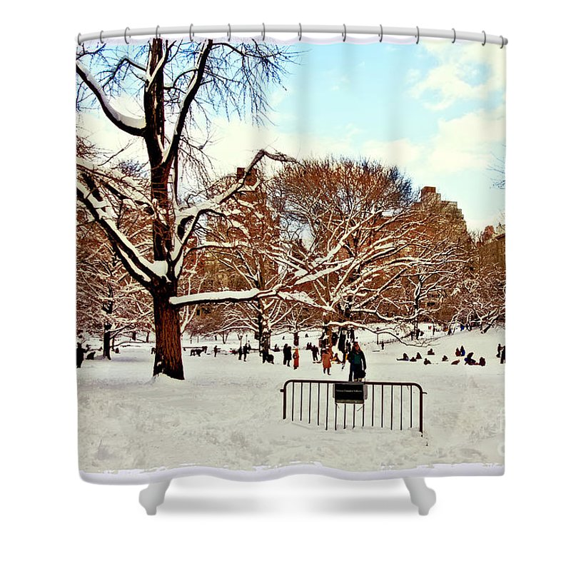 Owboards Shower Curtain featuring the photograph A Snow Day In Central Park by Madeline Ellis