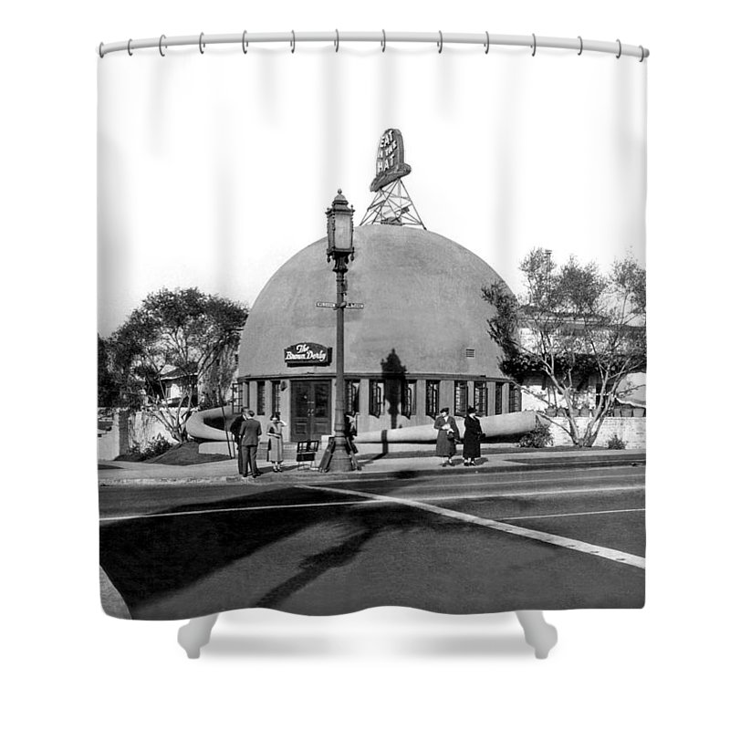 1920's Shower Curtain featuring the photograph Brown Derby Restaurant by Underwood Archives