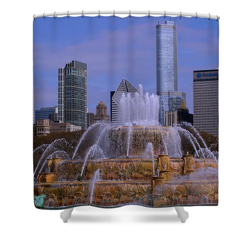 Chicago Shower Curtain featuring the photograph Buckingham Fountain by Bill Lambright