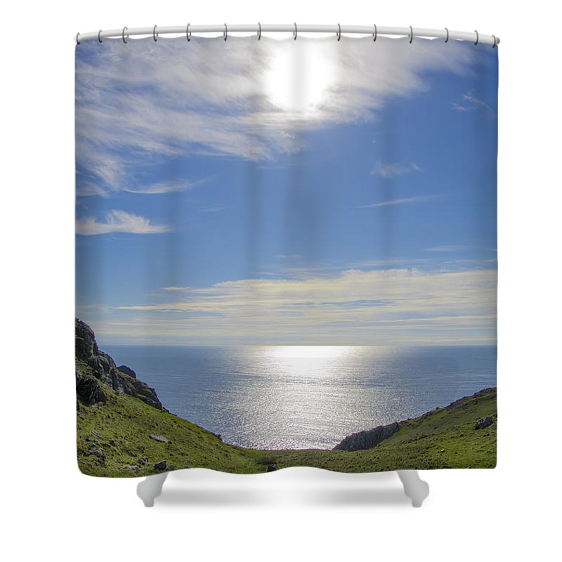 Bunglass Shower Curtain featuring the photograph Bunglass Donegal Ireland - Seascape by Bill Cannon