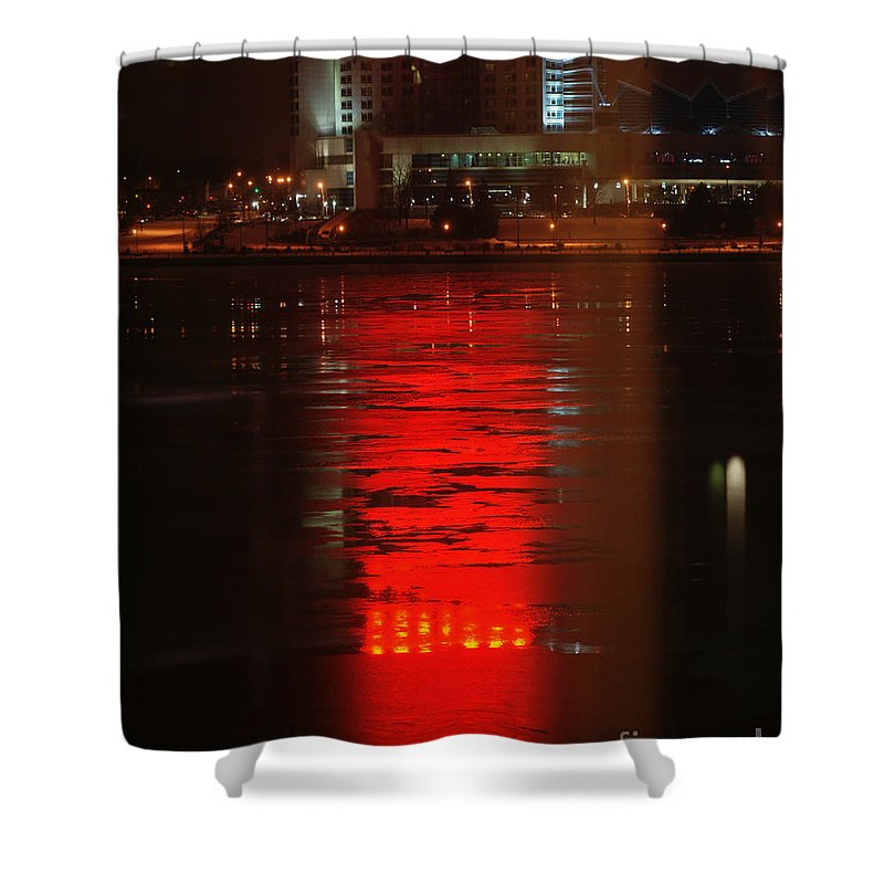 Winter Shower Curtain featuring the photograph Caesars Reflection by Linda Shafer