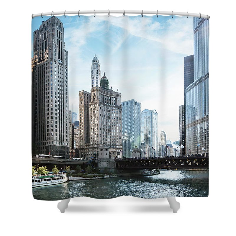 Wake Shower Curtain featuring the photograph Chicago River by Bjarte Rettedal