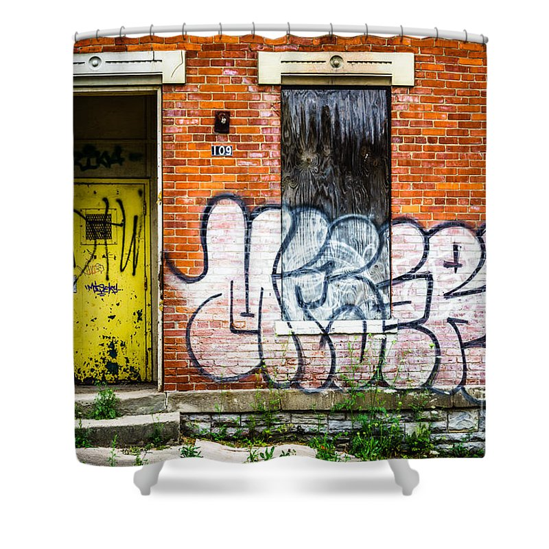 109 Shower Curtain featuring the photograph Cincinnati Glencoe Auburn Place Graffiti Picture by Paul Velgos