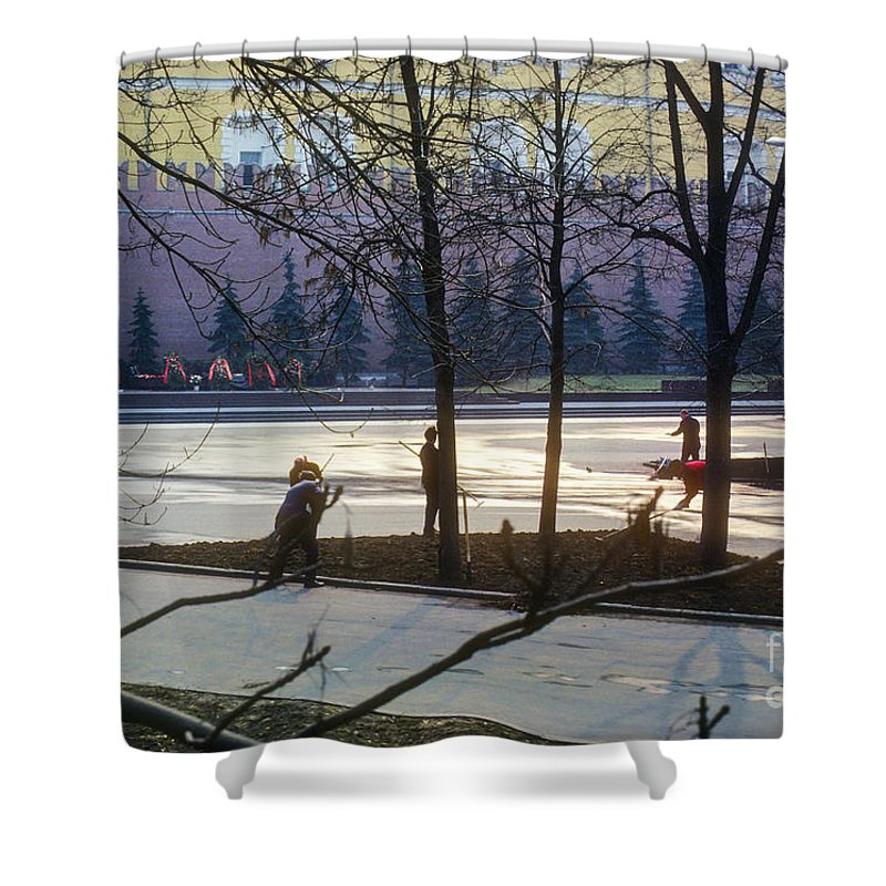 Citizen Workday People Person Persons Kremlin Moscow Russia City Cities Cityscape Cityscapes Street Streets Shower Curtain featuring the photograph Citizen Workday by Bob Phillips