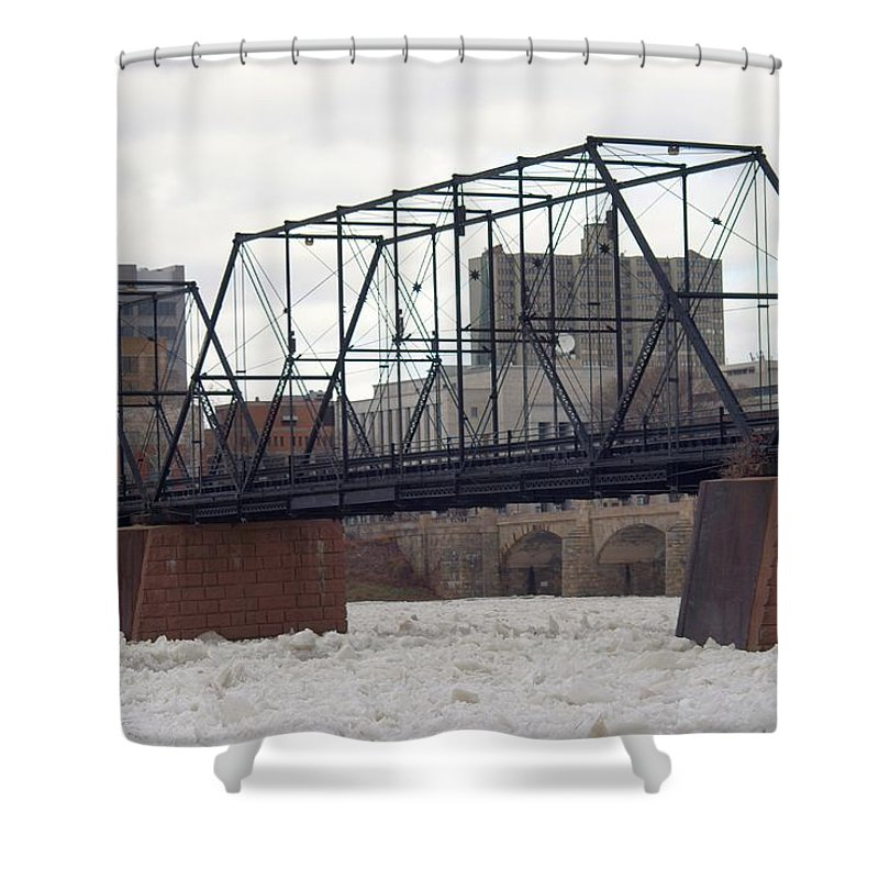 Harrisburg Shower Curtain featuring the photograph Close Up Of The Walnut Street Bridge by Rob Luzier