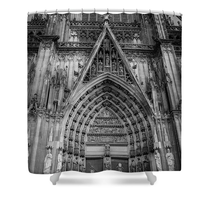 2014 Shower Curtain featuring the photograph Cologne Cathedral 11 Bw by Teresa Mucha