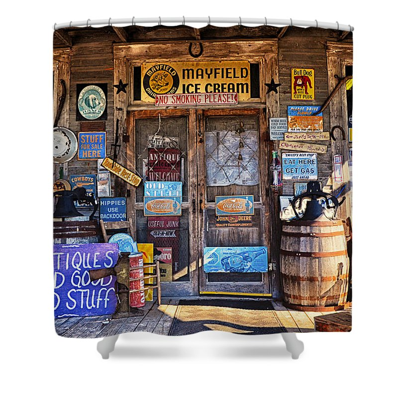 Cumberland Mountain General Store Shower Curtain featuring the photograph Cumberland Mountain General Store by Paul Mashburn