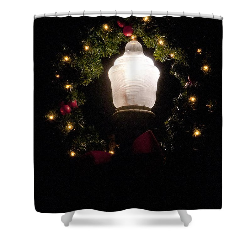 Georgetown Texas Christmas Decoration Decorations Light Lights Cityscape Cityscapes Shower Curtain featuring the photograph Decorated by Bob Phillips
