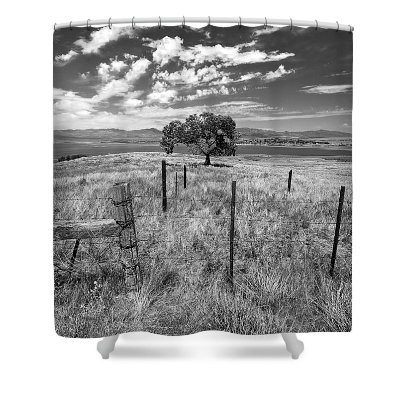 Big Sky Shower Curtain featuring the photograph Don't Fence Me In - Black And White by Peter Tellone