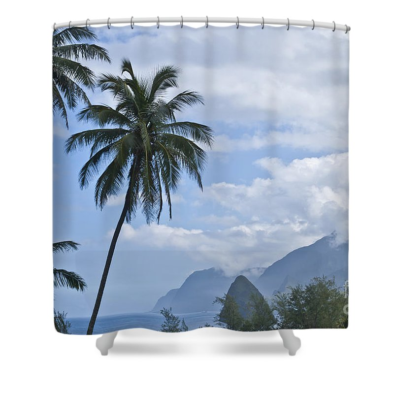 Molokai Shower Curtain featuring the photograph Dreaming Of Paradise by F Innes - Finesse Fine Art