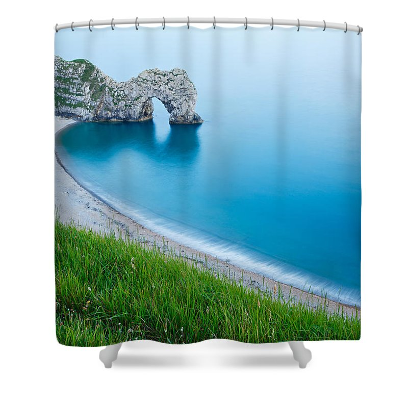 Durdle Shower Curtain featuring the photograph Durdle Door In The Evening by Ian Middleton
