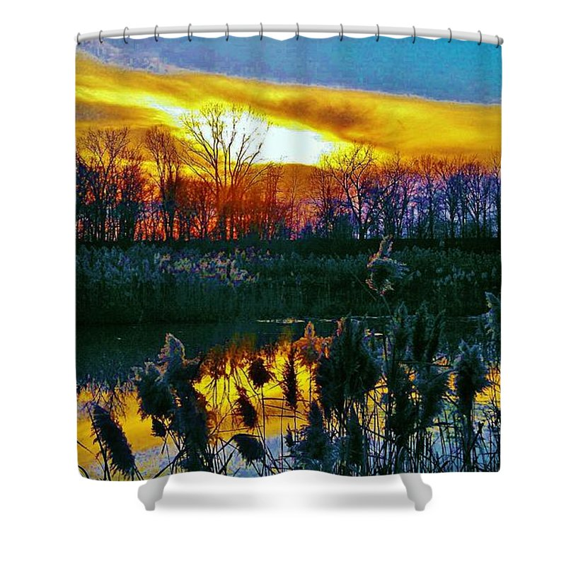 Emagin Theaters Shower Curtain featuring the photograph Emagin Sunset by Daniel Thompson