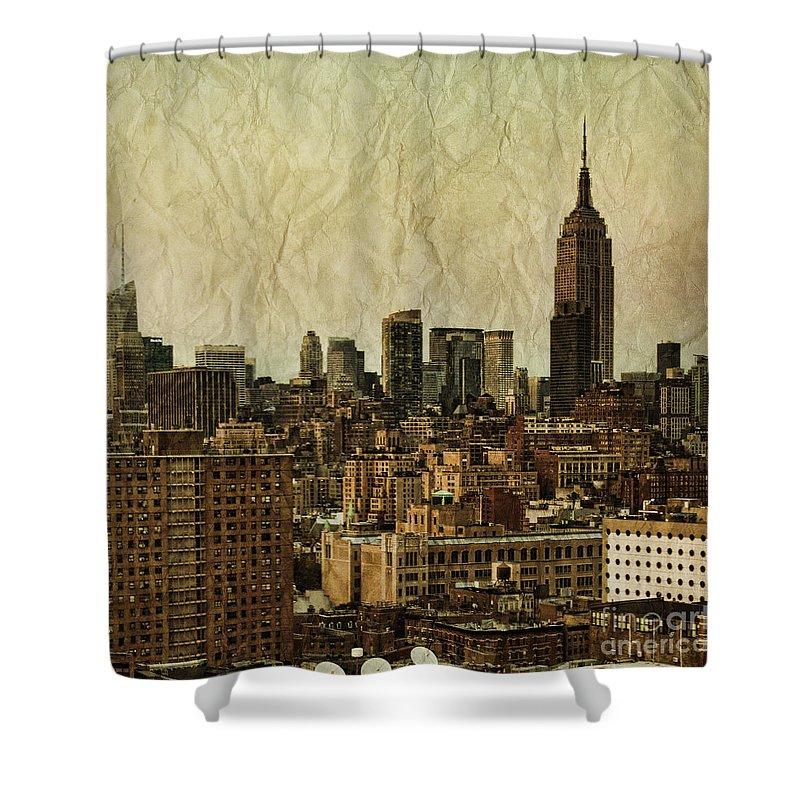 Place Shower Curtains