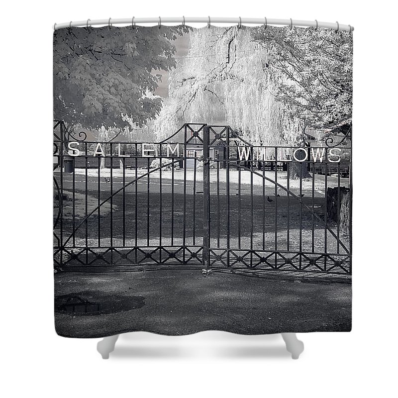 Salem Shower Curtain featuring the photograph Entry To Salem Willows by Jeff Folger