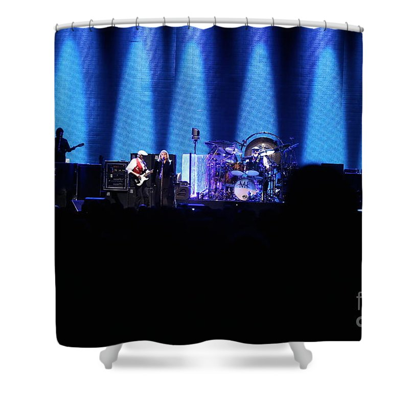 Stevie Nicks Shower Curtain featuring the photograph Fleetwood Mac Reunited Band by Concert Photos