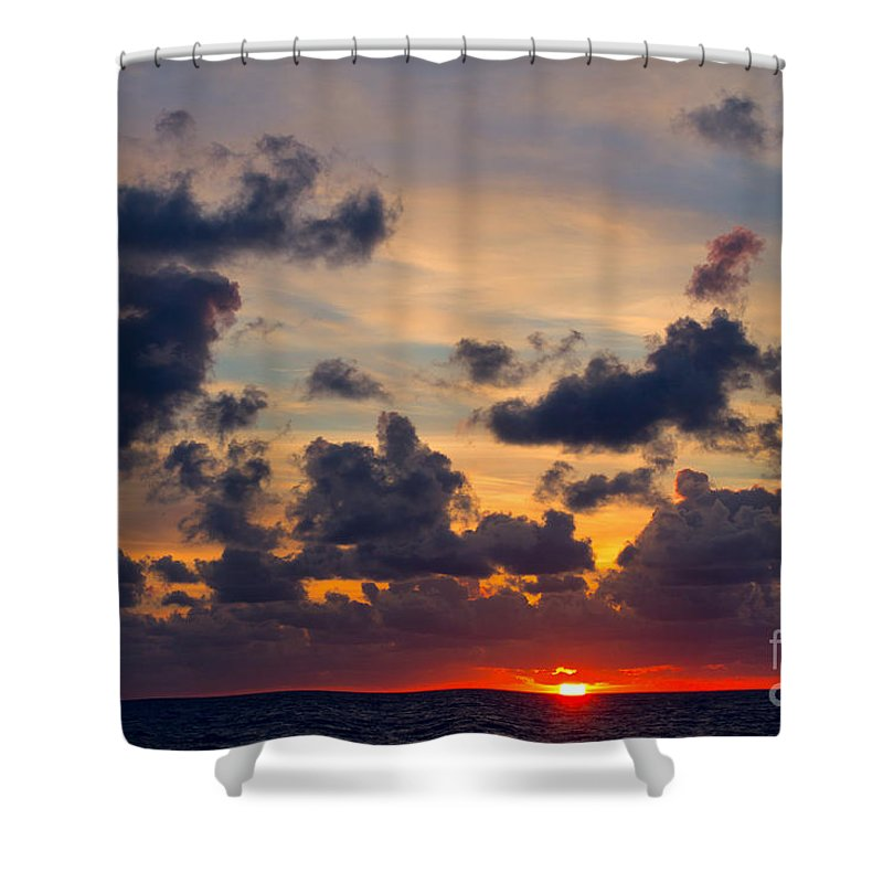 Sun Shower Curtain featuring the photograph Florida Sunset by Les Palenik