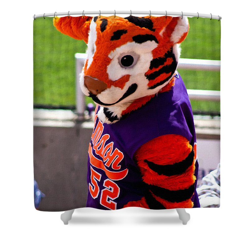 Tiger Shower Curtain featuring the painting Go Tigers Fight by Lynne Jenkins