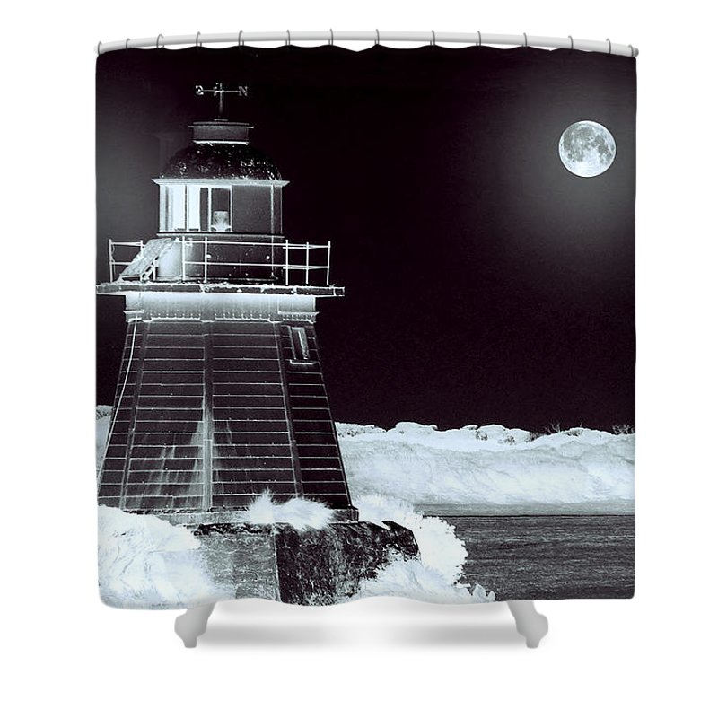 Landscapes Shower Curtain featuring the photograph Guiding Lights by Holly Kempe