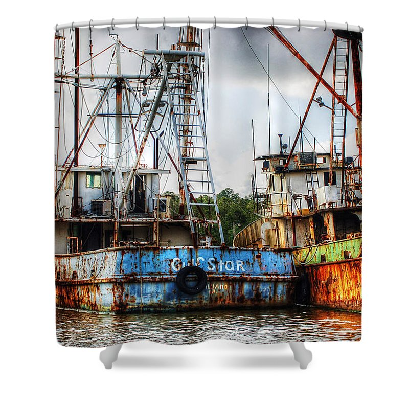 Alabama Shower Curtain featuring the digital art Gulf Star At Rest by Michael Thomas
