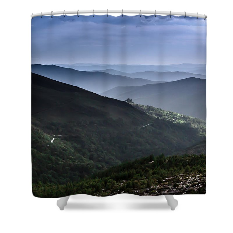 Mountain Shower Curtain featuring the photograph Hills And Valleys by Edgar Laureano