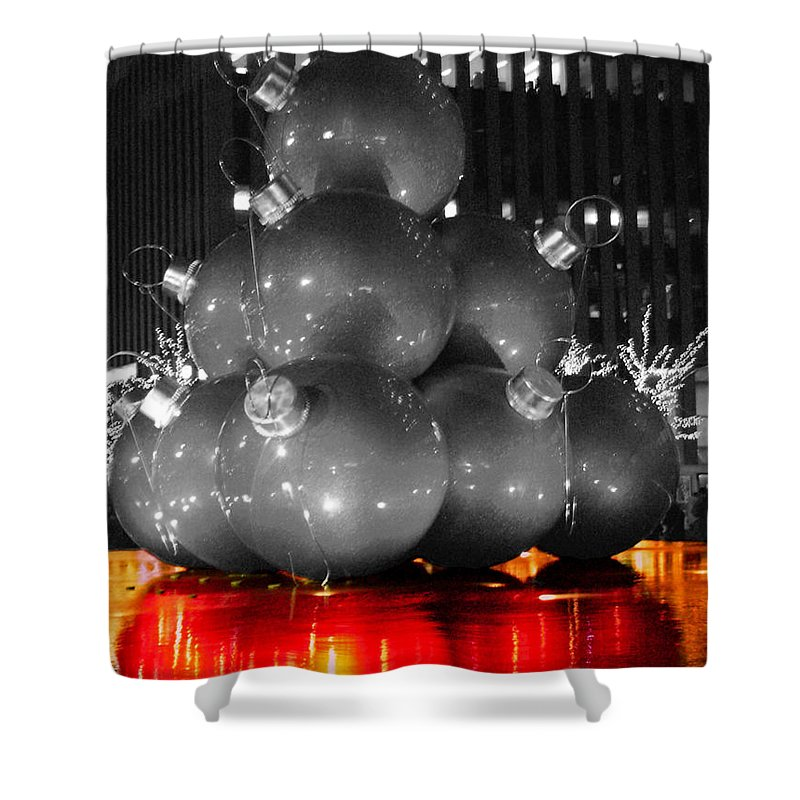 Christmas Shower Curtain featuring the photograph Holiday Reflection by Pablo Rosales
