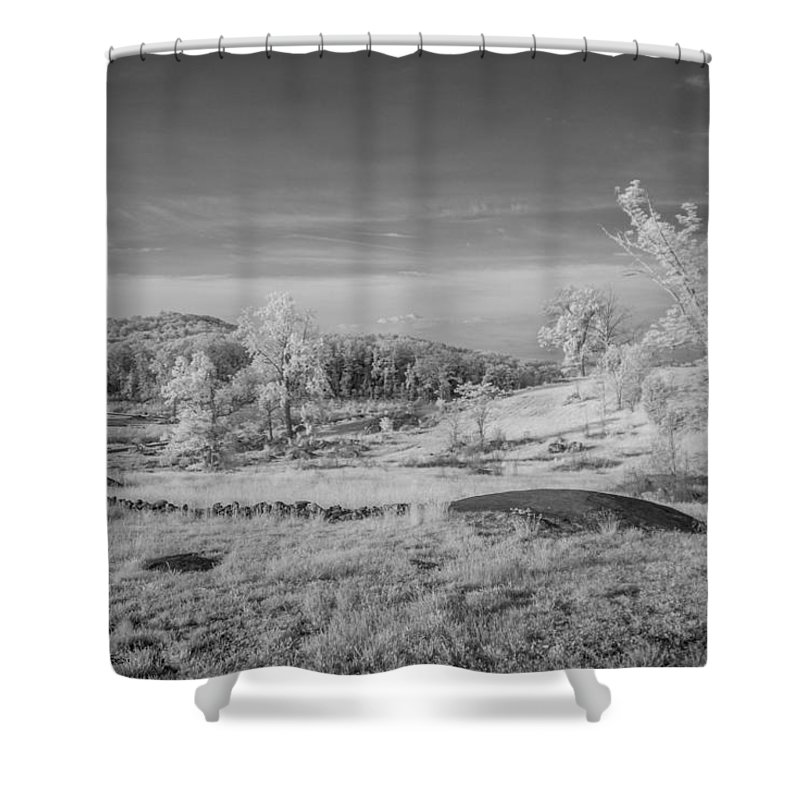 American Civil War Shower Curtain featuring the photograph Houcks Ridge 8d00081i by Guy Whiteley