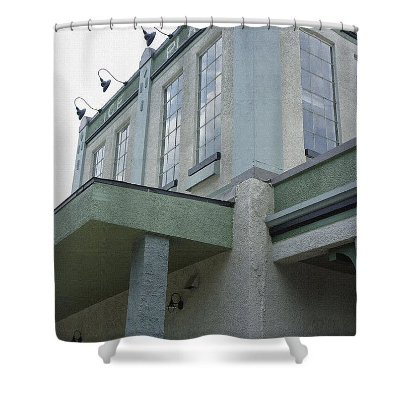 St. Augustine Distillery Shower Curtain featuring the photograph Ice Plant by Laurie Perry