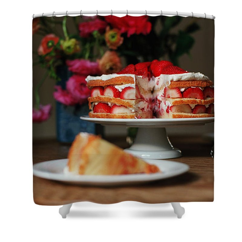 Vanilla Shower Curtain featuring the photograph Layered Strawberry Cake With Background by Katie Baxter