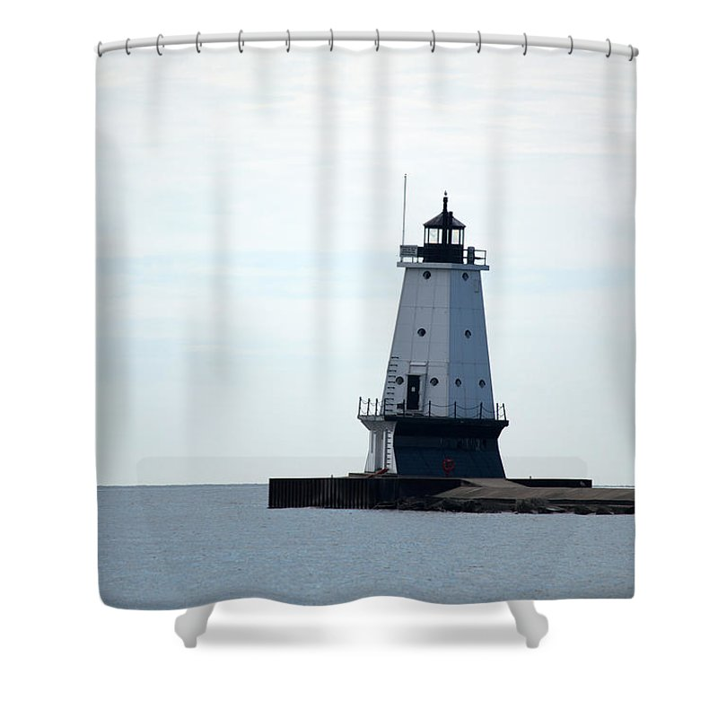 Great Lakes Shower Curtain featuring the photograph Leading The Way by Linda Kerkau